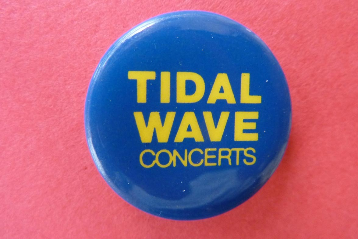 Tida Wave Series Badge